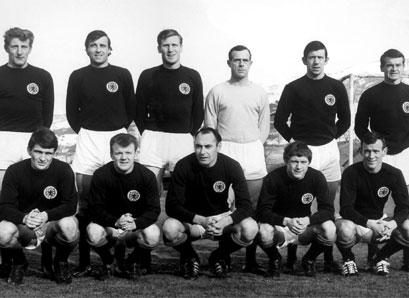 Scotland line-up with Alan Gilzean-Soccer